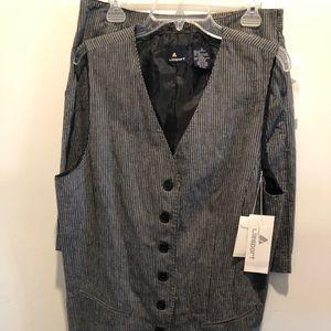 Two piece short/vest suit Liz sport NWT
